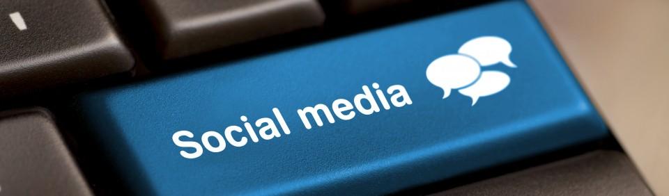 Facebook e Instagram: Fazemos o abastecimento de textos nas suas redes sociais